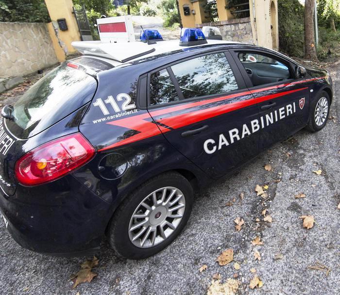 Rapina in banca a Cercola ,esplosi 15 colpi pistola. I carabinieri sono sulle tracce della banda che ha prelevato armi in pugno 280 mila euro