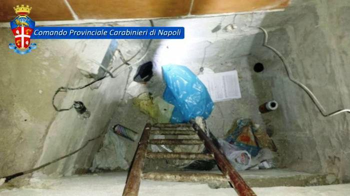 I Carabinieri arrestano  Valentino Gionta jr. Il  nipote dello storico capoclan si nascondeva in una botola