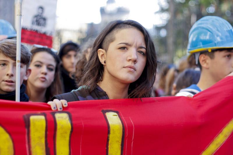 """Due cortei per lo """"Sciopero Sociale"""": un venerdì di fuoco tra manifestazioni e sit-in"""