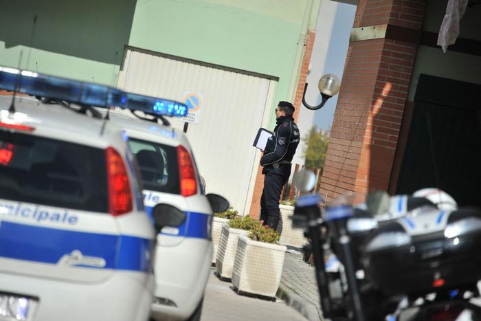Blitz della Municipale: fermati due giovanissimi, ladri di giorno e prostituti di notte