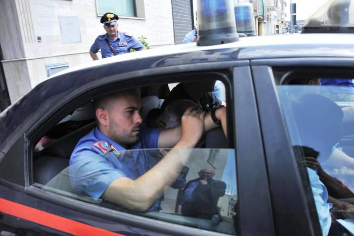 Interessi al 10%, arrestato usuraio: le vittime obbligate ad ipoteca sulla casa