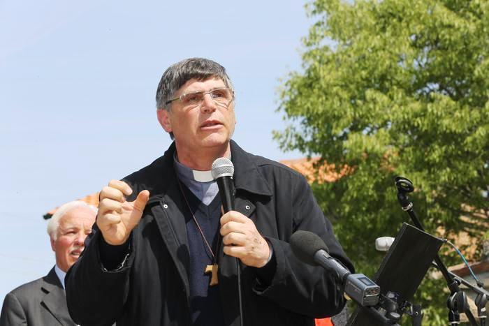 """Terra  dei fuochi: don Maurizio Ptriciello dice no alle """"campagne elettorali"""" sui disastri dell'ambiente"""