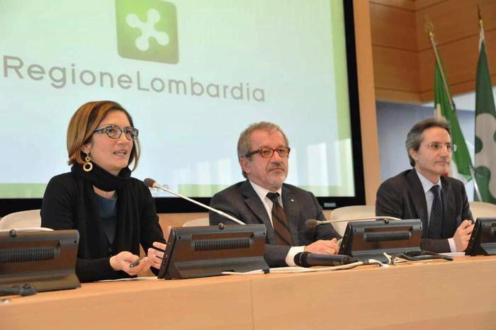 Macro Regioni, cresce l'asse tra Stefano Caldoro e il leghista Roberto Maroni