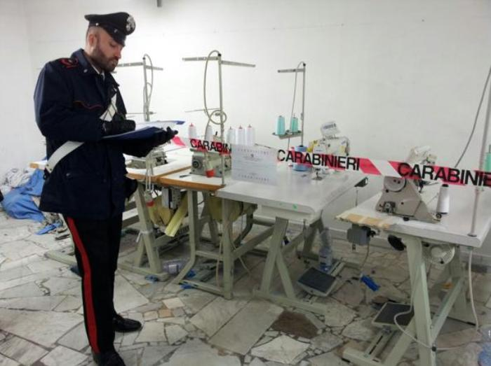 Lavoro sommerso e inquinamento, i carabinieri sequestrano diversi opifici nel vesuviano
