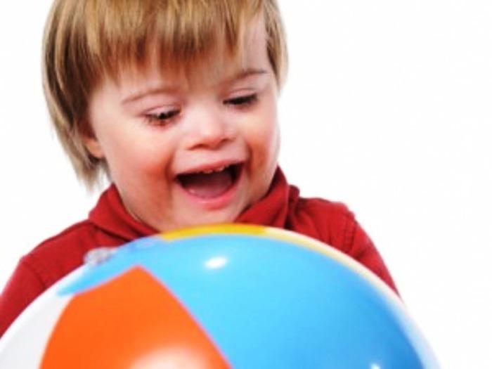 """""""AppliChiAAmo il cuore"""", l'iniziativa dell'Università Federico II per i bambini autistici"""
