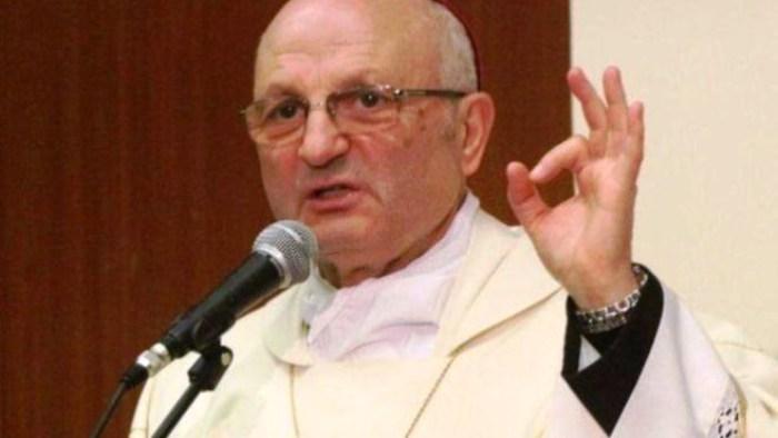 Il Vescovo Beniamino De Palma offre ospitalità a Sasha il clochard picchiato da un branco di vigliacchi a Nola
