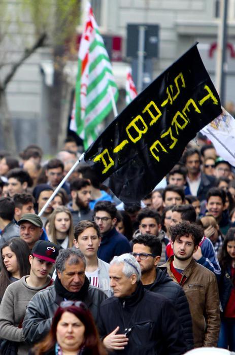 Gli operai delle Terme, il silenzio della politica e i colori dei Fratelli Musulmani