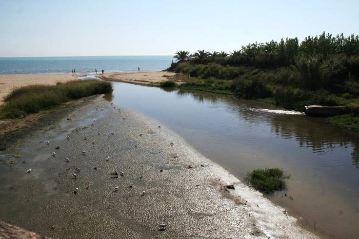 Operazione della Guardia Costiera a Ercolano: scarichi abusivi a mare, sanzioni ai condomini e attività commerciali