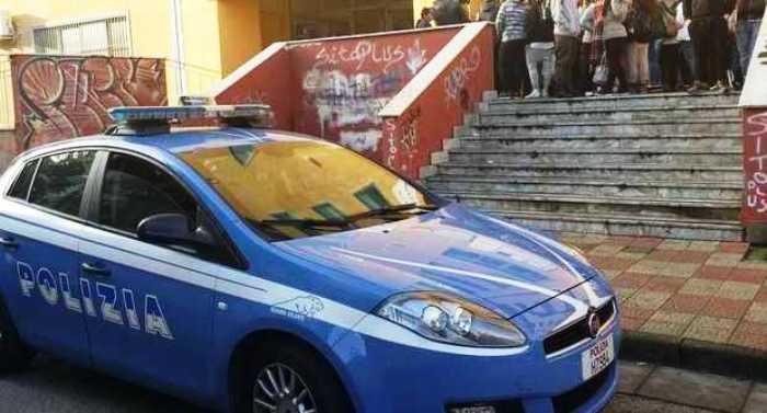 Due raid con bastoni al Flacco di Portici: è emergenza baby gang