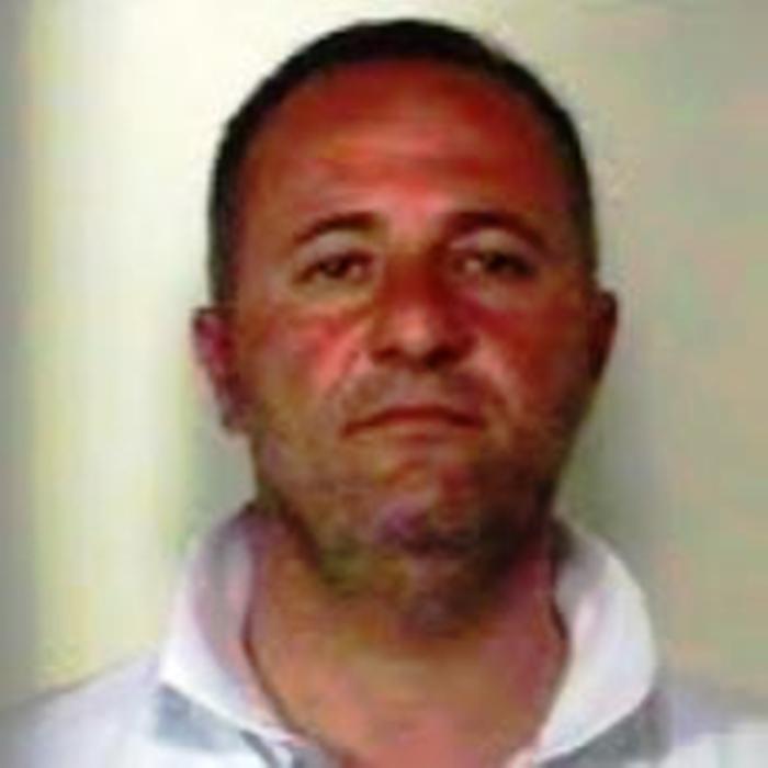 Catturato ergastolano latitante: uccise un uomo in piazza ad Acerra