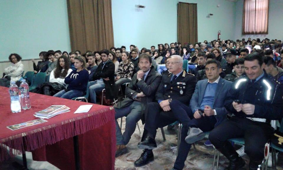 """Al Teatro Salesiani di Portici un convegno per la lotta all'uso di """"Alcol e droga"""""""