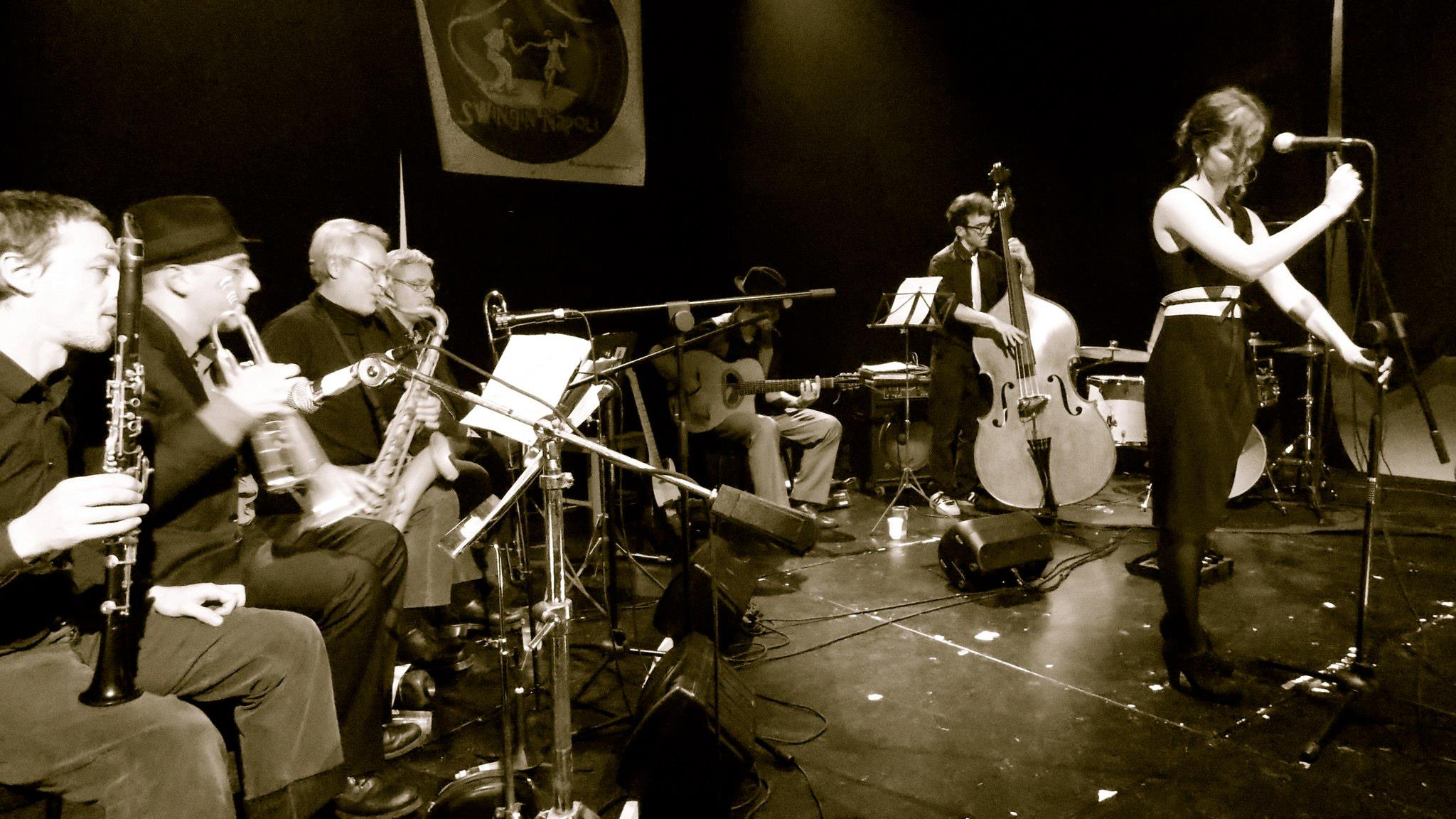 Al Frequency di Pomigliano d'Arco di festeggia la fine dell'antiproibizionismo con l'Uanema Orchestra