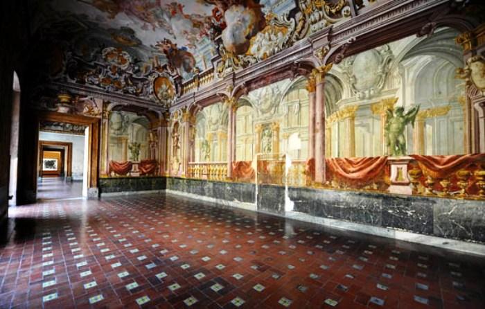 Re, Mozart e gusto cinese, la Reggia di Portici aperta ai visitatori