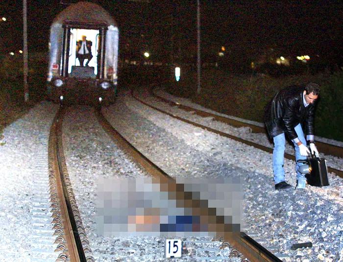 Somma Vesuviana, muore sotto treno dopo annuncio su Facebook