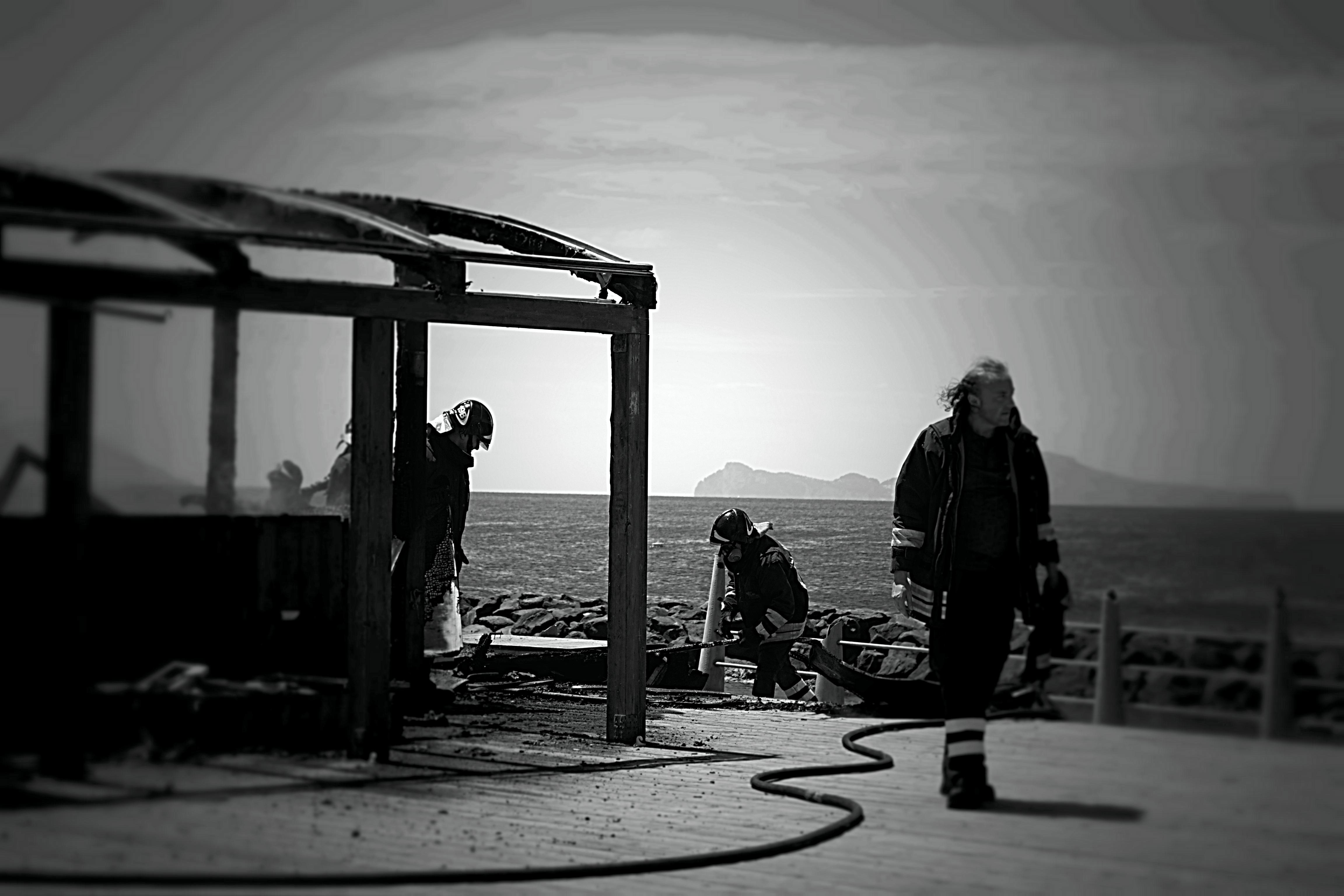 Portici: Incendio al Myrto club. Ecco la foto-gallery
