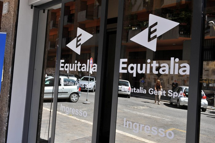 """Dipendenti infedeli truffavano Equitalia, da dieci a mille euro per """"alleggerire"""" situazioni debitorie"""