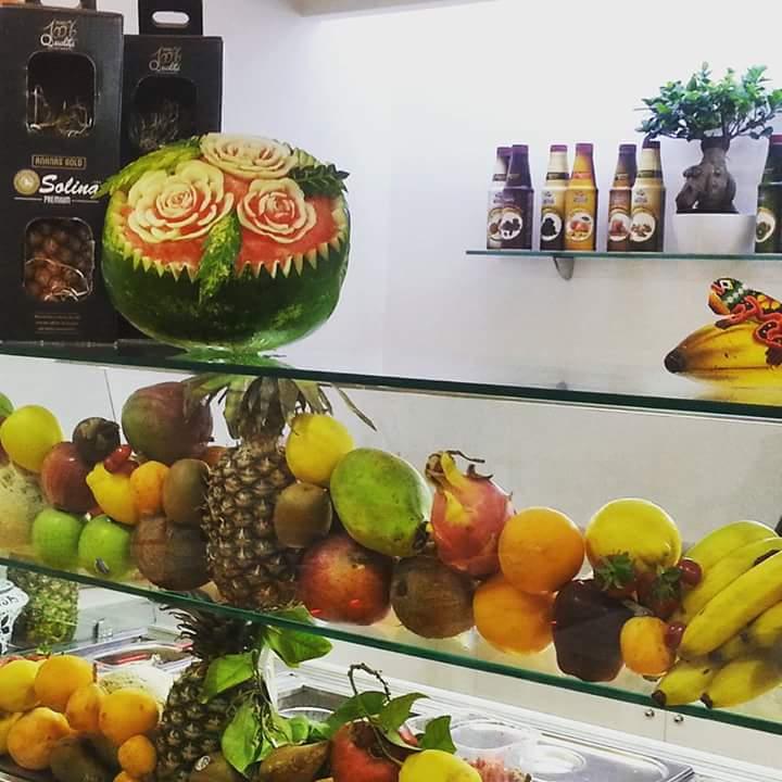 Miss Vitamina, frutta fresca e colori contro i soliti drink