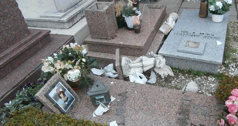 Raid ai Cimiteri: da Sant'Anastasia la proposta di video sorvegliare i Camposanti