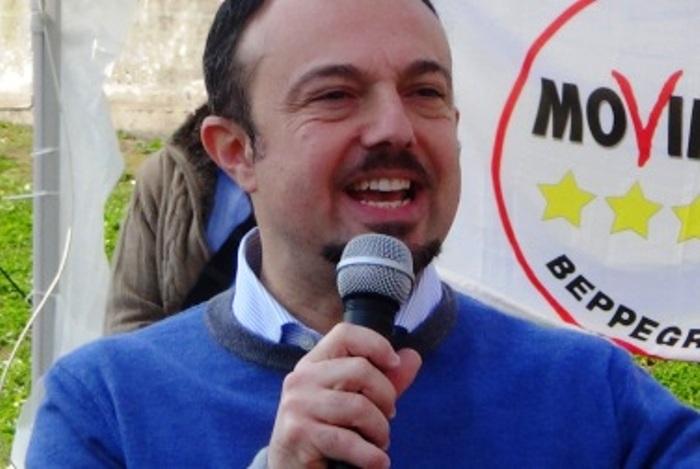 """Portici. Il Senatore Sergio Puglia tuona contro l'Amministrazione Cuomo: """"Difficile cancellare il ricordo dei 22 rinvii a giudizio"""""""
