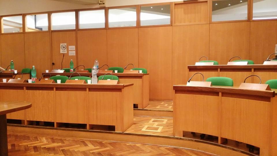 Portici. Nessuna discussione sul waterfront: mancanza del numero legale. Salta la seduta del consiglio comunale di Mercoledì 15 Luglio.
