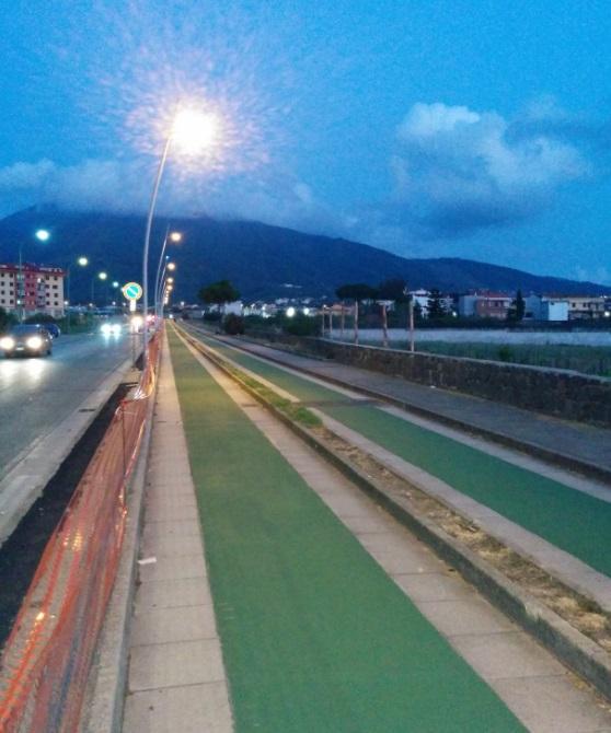 A Pollena Trocchia, dopo i ritardi, finalmente la pista ciclabile e il nuovo impianto di illuminazione