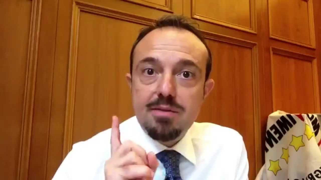 """Rc auto equa. Il Senatore porticese Sergio Puglia promette battaglia: """"Pd e lobby delle assicurazioni rischiano di far saltare tutto""""."""