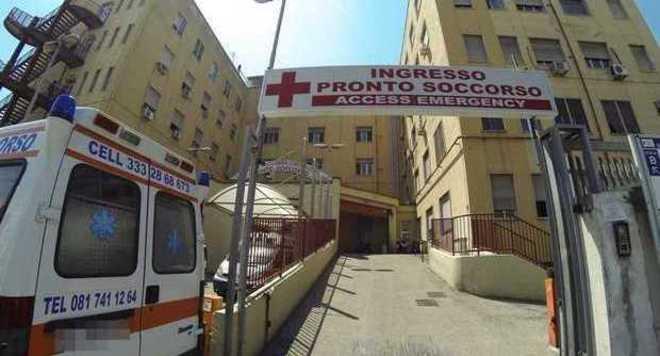 Ultrà Liverpool aggrediti a Napoli:tifoso inglese finisce in ospedale