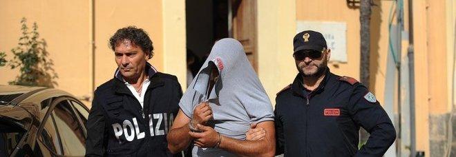 Arrestati tre poliziotti: sesso con squillo in commissariato e auto per Gigi D'Alessio