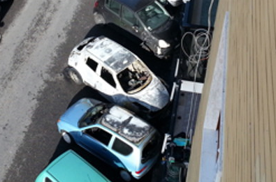 Auto incendiata nella notte a San Giorgio a Cremano