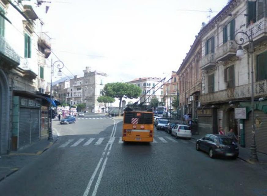 Portici. L'Amministrazione valuta il ripristino del doppio senso a Corso Garibaldi e i commercianti annunciano un sit-in di protesta