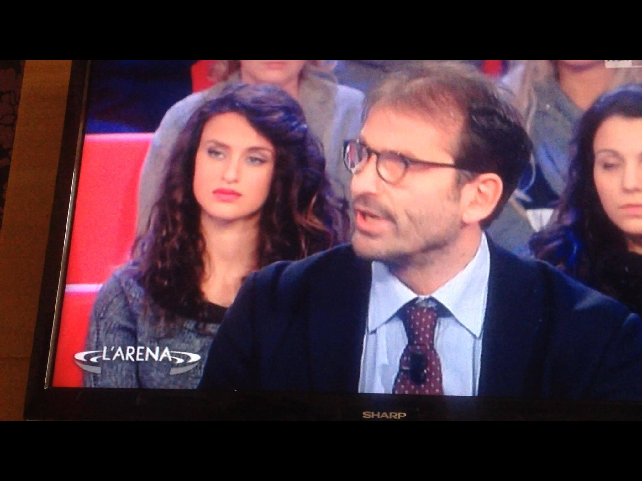 """""""FANNULLONI"""" AL COMUNE DI PORTICI: DOPO LE PROMESSE DI LICENZIAMENTO DEL PREMIER RENZI, IL CASO TORNA IN RAI."""