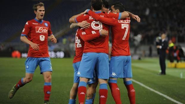 Il Napoli delle meraviglie fa ammattire anche la Lazio. 2 a 0 all'Olimpico
