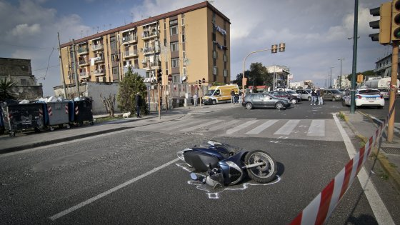 Incidente stradale a Ponticelli. Dopo il padre, muore anche il figlio 19enne