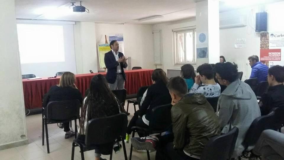 A scuola di buona politica da Anci Campania. Parte a Portici Giovani Menti Mentori: il progetto del consigliere Luca Manzo