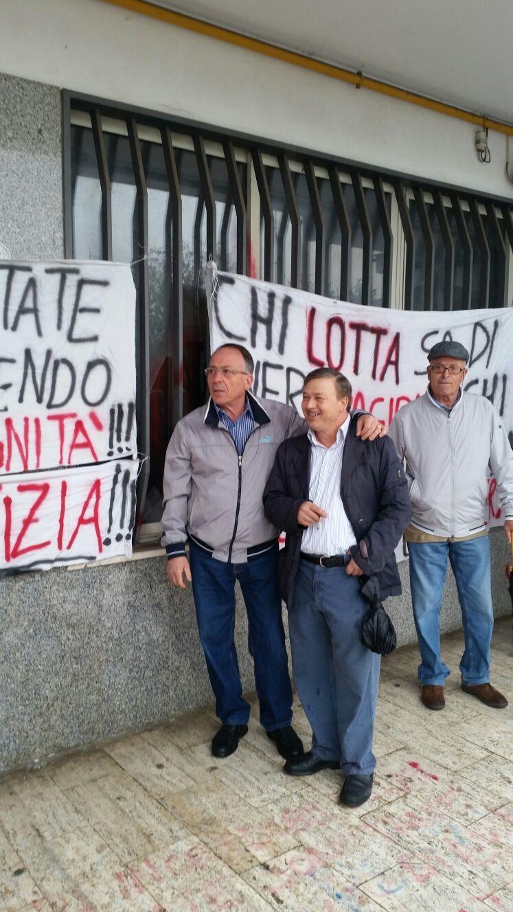 LA PROTESTA PER LA CASA – A Somma Vesuviana Sale il tono della protesta dei manifestanti per la questione case SO. FI.COOP. Alcuni diffidano il Comune