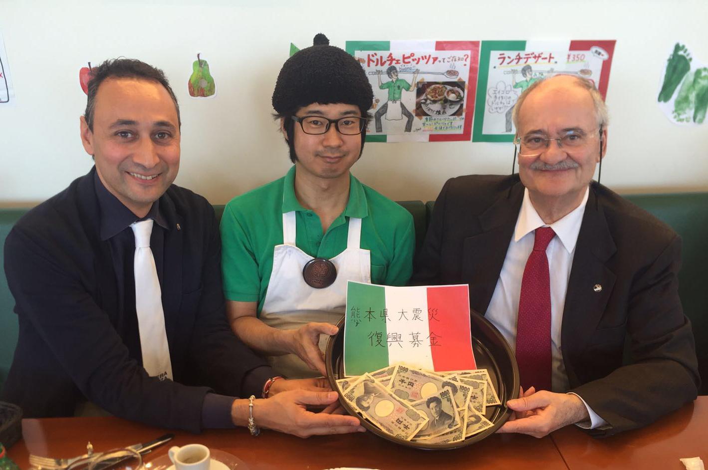 """I """"protettori"""" della vera pizza napoletana a fianco degli sfollati del terremoto in Giappone"""