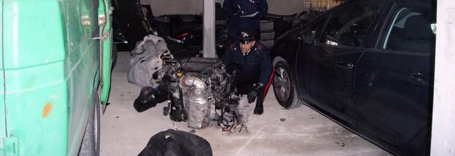 Pony express di pezzi di auto rubate, sgominata holding: due arresti a Sant'Anastasia