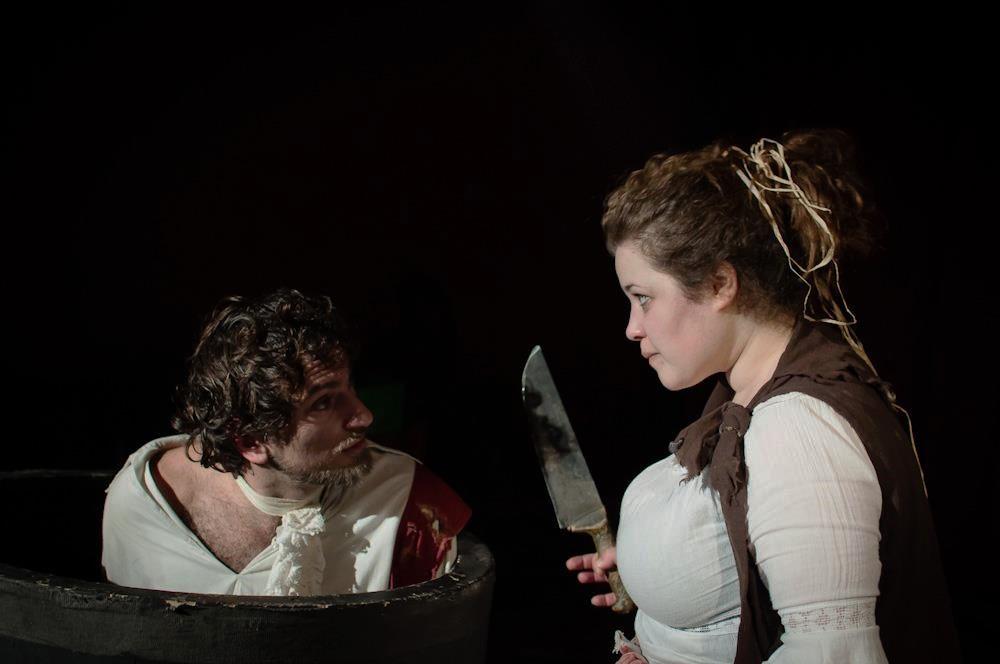 Allo Spazio Culturale il Torchio:  Il baciamano  In scena il testo di Manlio Santanelli diretto da Fabio Cocifoglia per il Progetto 31 salvi tutti