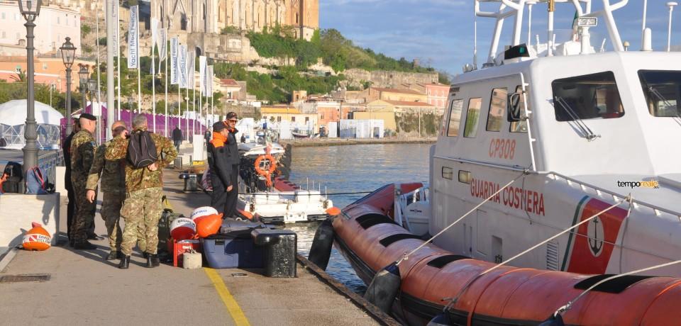 """Ripartono le ricerche in mare per recuperare i dispersi del """"Rosinella"""", prega tutta la città"""