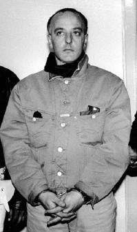 Nove arresti per l'omicidio del boss Mario Ascione e del suo gregario. L'ordine uccidere partì da carcere