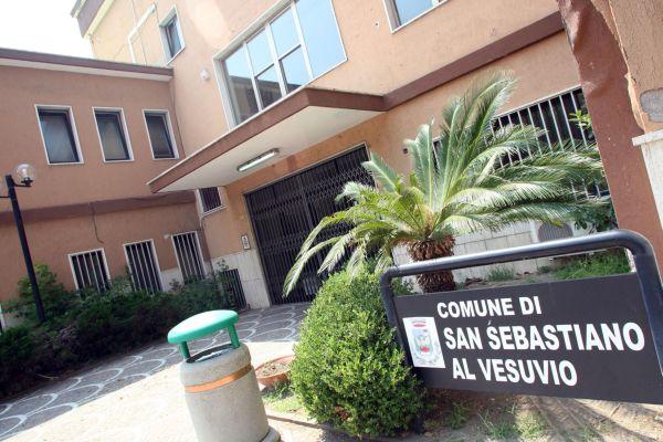 VERSO IL VOTO A SAN SEBASTIANO – Presentate solo due liste: Il popolo di San Sebastiano-Manzo sindaco e quella del Pd con a capo Salvatore Sannino