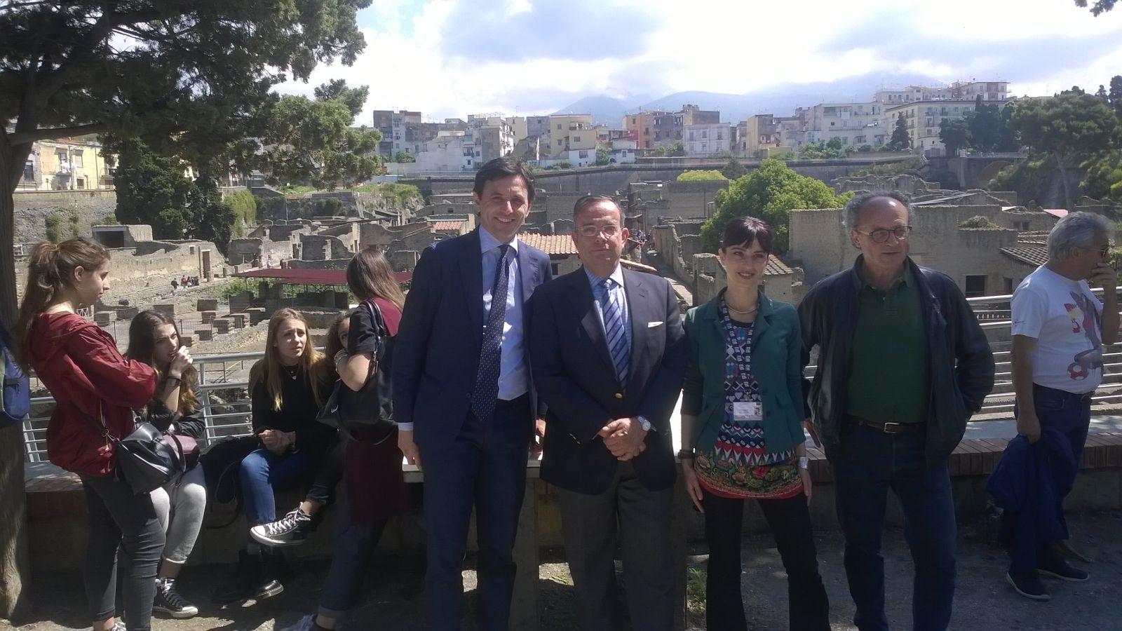 Il Console Generale di Spagna nel Sud Italia in visita a Ercolano