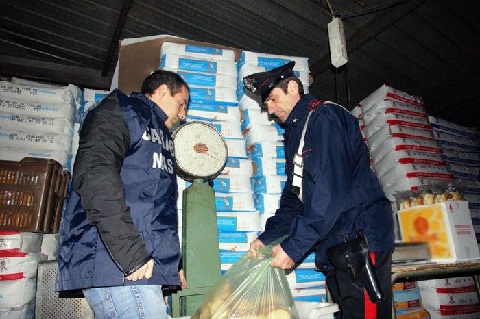 Panificazione abusiva, maxi blitz dei carabinieri dei Nas: sequestrati 3.100 chilogrammi di pane in cattivo stato di conservazione