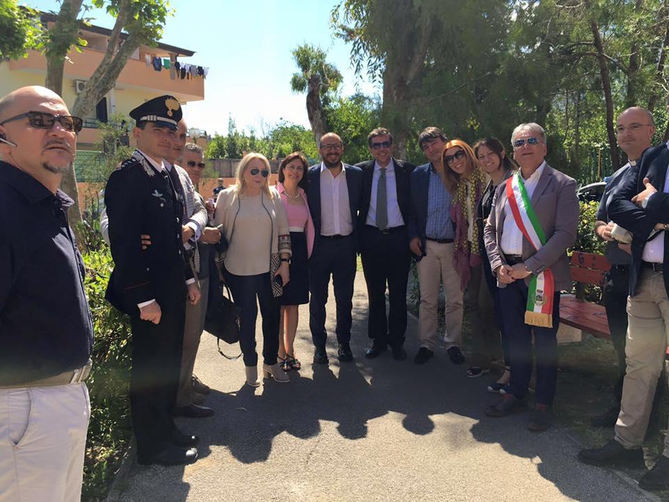 Riuso e riciclo a scuola: il vice ministro a Sant'Anastasia per inaugurare il nuovo arredo