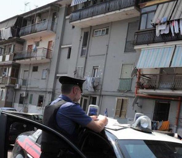 Sventagliata di mitra in un basso al Rione Traiano, resta ferito Raffaele Pezzuti