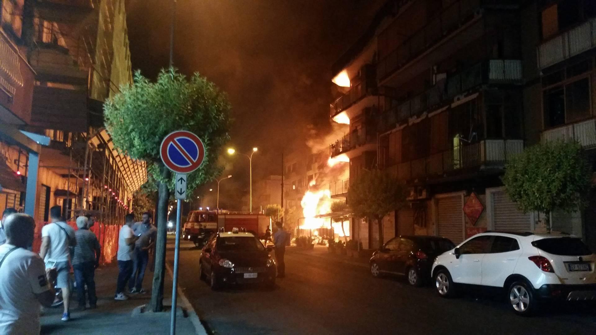 Volla, convocata l'Unità di Crisi per l'incendio di via Pietro Nenni