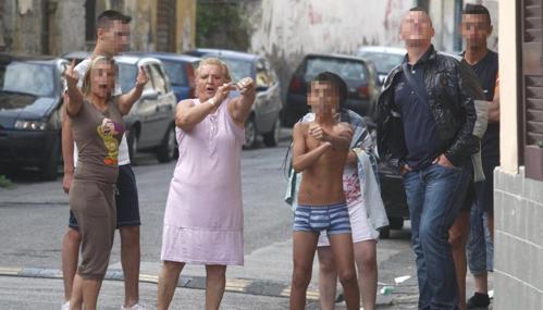 I carabinieri in azione di notte: scacco al clan D'Amico, otto spacciatori minorenni in manette