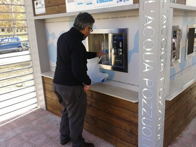 Anche a San Sebastiano al Vesuvio presto una casa dell'acqua pubblica. Coi vertici Acquatec anche il sindaco Salvatore Sannino