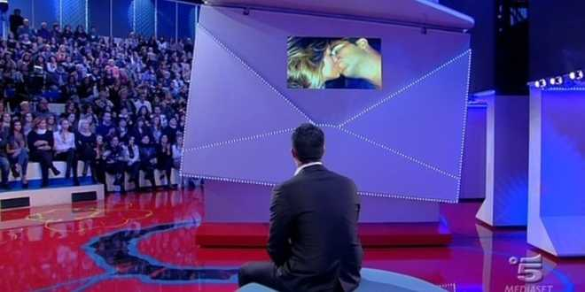 """L'aggressione dopo il rifiuto: Emanuele perse la testa e accoltellò il """"rivale in more"""", condannato a 15 anni"""