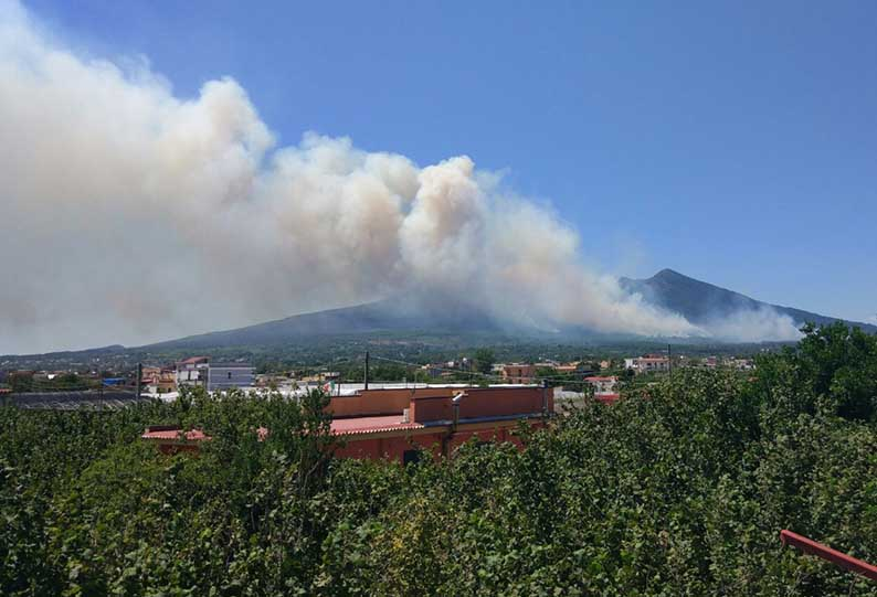 EMERGENZA ROGHI – Sindaco e istituzioni: sorveglianza antincendio 24 ore su 24 a Terzigno